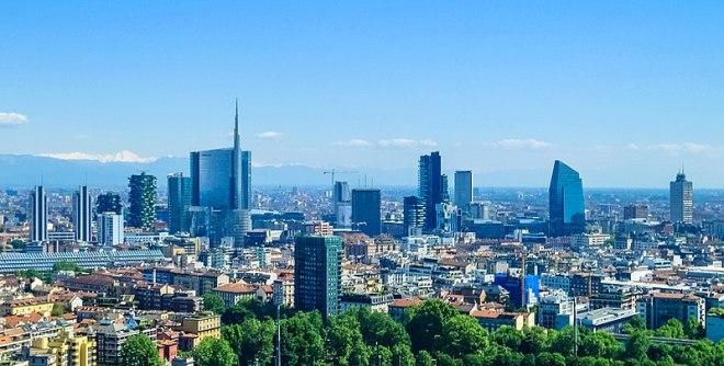 800px-Milan_skyline_skyscrapers_of_Porta_Nuova_business_district